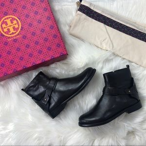 📁 Tory Burch Leather Coconut Derby Flat Boots